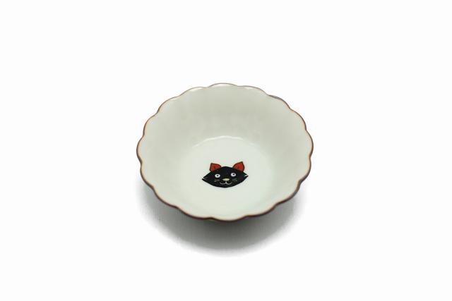 菊小鉢 / 黒猫