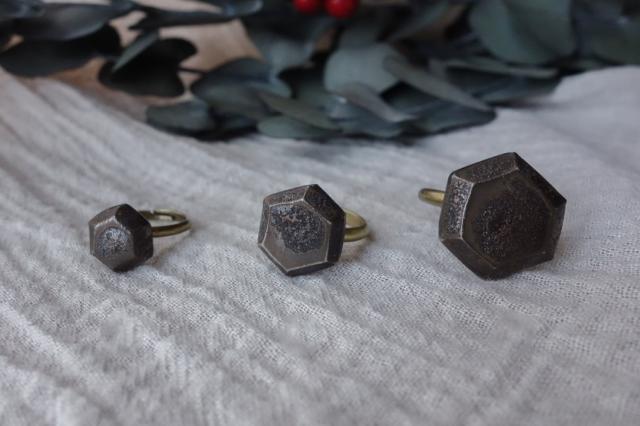 lanz m.m.d. / 六角形のアクセサリー / 陶器のリング