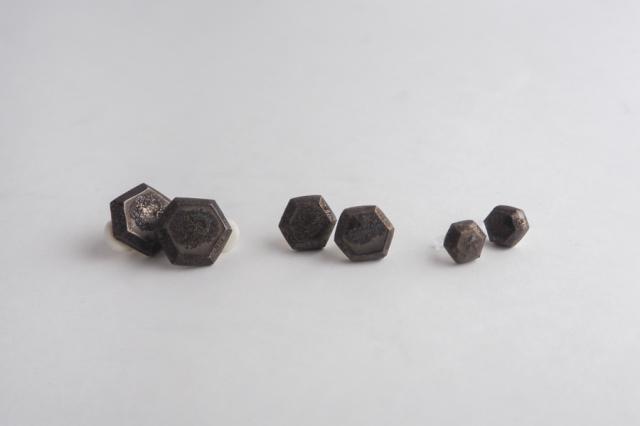 lanz m.m.d. / 六角形のアクセサリー / 陶器のイヤリング・ピアス