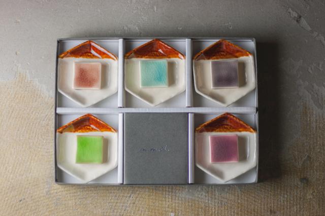 m.m.d. / 六角豆皿5枚 + 箸置き5個セット ギフトボックス&熨斗付き / true colors line / 瀬戸焼