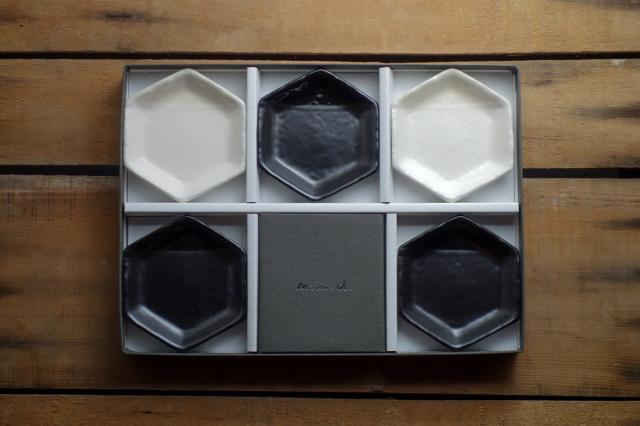 m.m.d. / 六角豆皿(monochrome line) / 5枚セットギフトボックス&熨斗付き