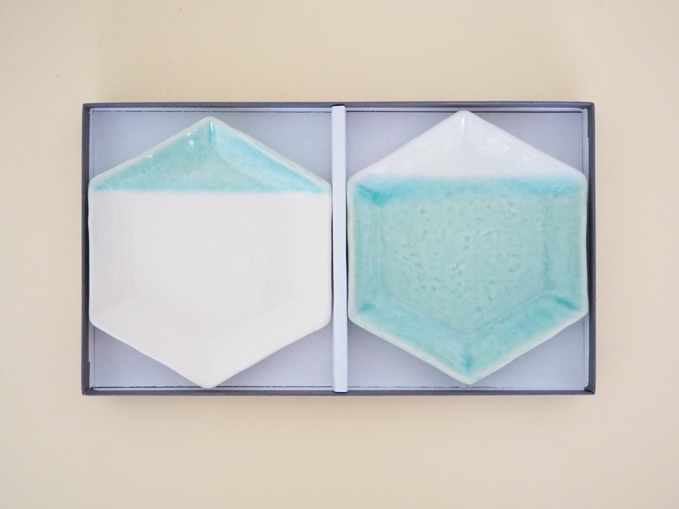 m.m.d. / 取皿2枚セット ギフトボックス&熨斗付き / 2分掛け青磁 + 8分掛け青磁 / 青磁と夏の贈り物 / 瀬戸焼