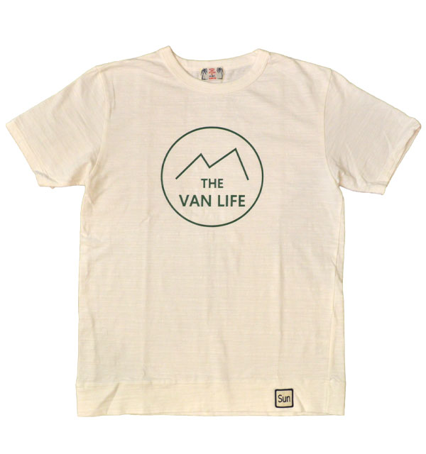 ユーエムアイ サンライズ 【U.M.I SUNRISE】 スラブプリントTシャツ VAN LIFE WHITE