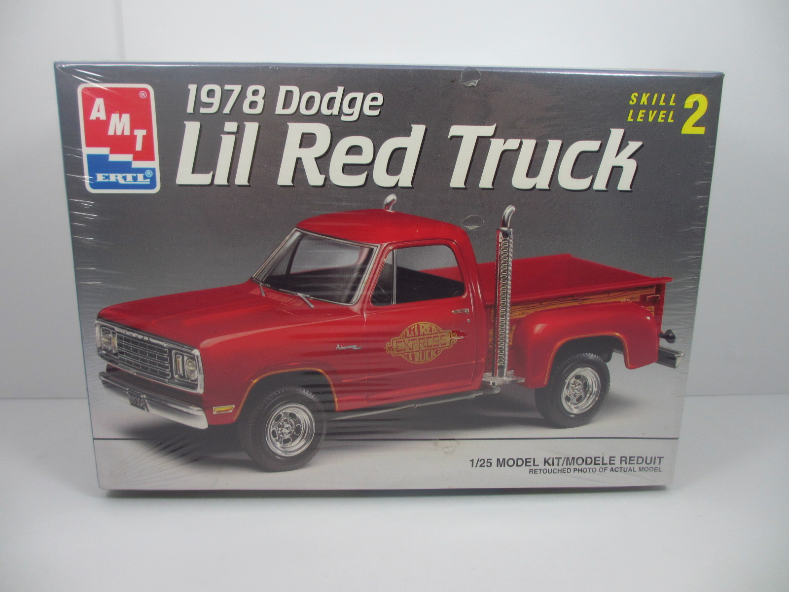 AMT 1/25  1978 Dodge Lil Red Truck  k-33
