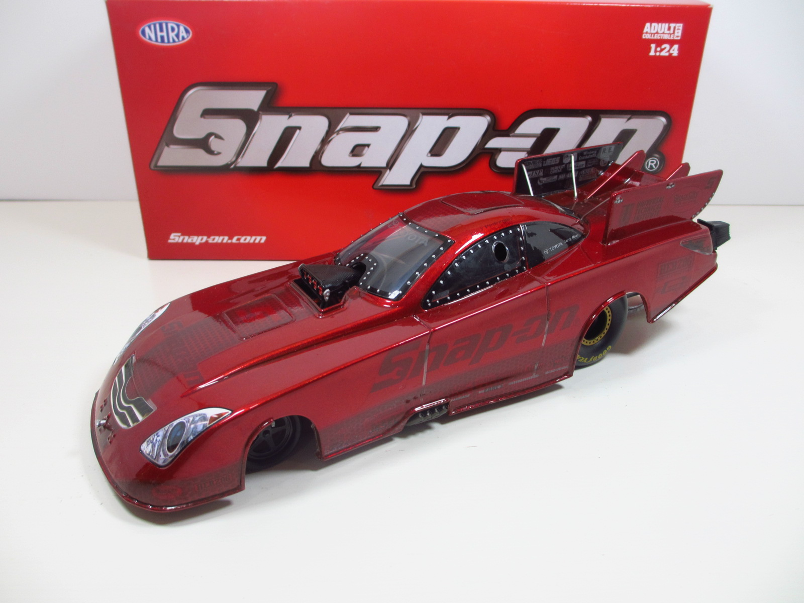 1/24  Auto World  2010  Toyota Camry  Cruz Pedregon  Snap-On  キャンディレッド 24-104