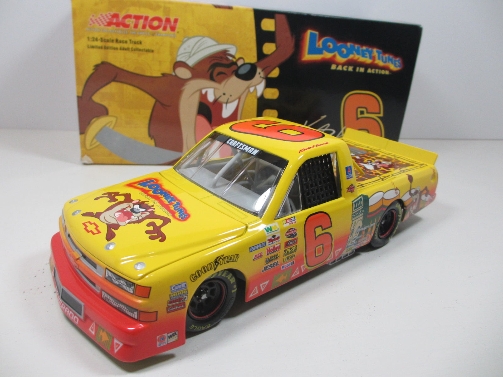 1/24 Action 2003 Kevin Harvick ルーニー・テューンズ TAZ SUPER TRUCK   24-121