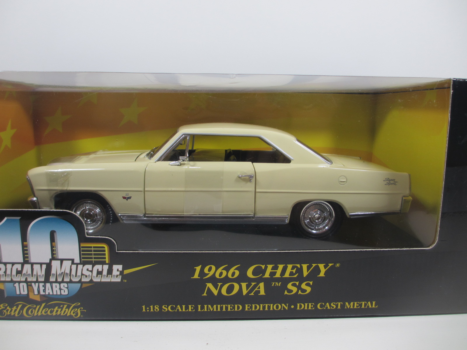 1/18 ERTL  1966 Chevy Nova SS ノバ  18-180