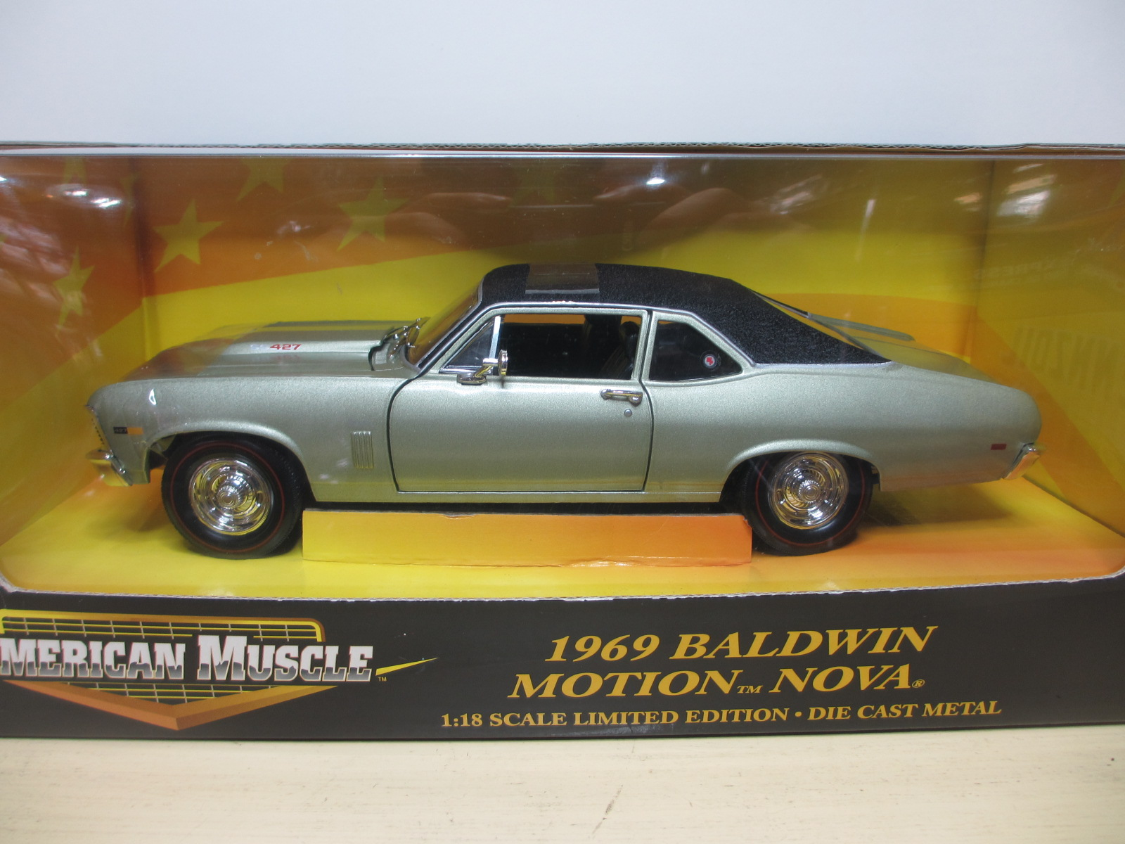 1/18 ERTL  1969 Chevy Nova Baldwin Motion  ノバ  18-192