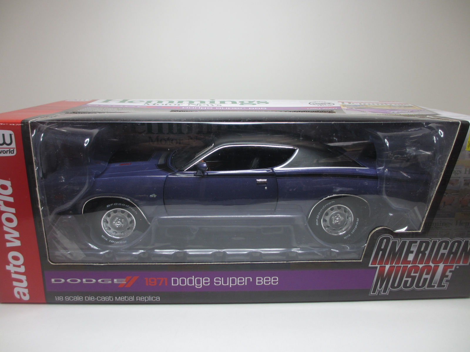 1/18  1971 Dodge Charger  SUPER BEE PLUM CRAZY / チャージャー スーパービー 18-212