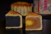 中秋大月餅2個入(黒あん・蛋黄)