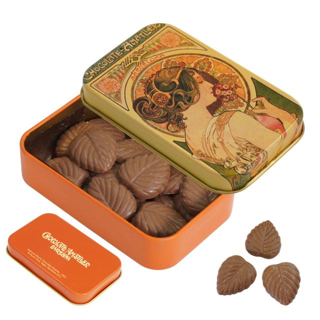 アマリエ ミルクチョコレート32% リーフチョコ30g AMATLLERミュシャ缶「桜草」