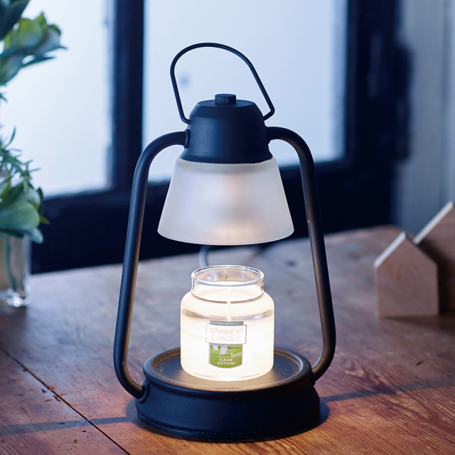 キャンドルウォーマーランプ ミニ アロマキャンドル 照明 ハロゲンライト カメヤマキャンドル 使用イメージ