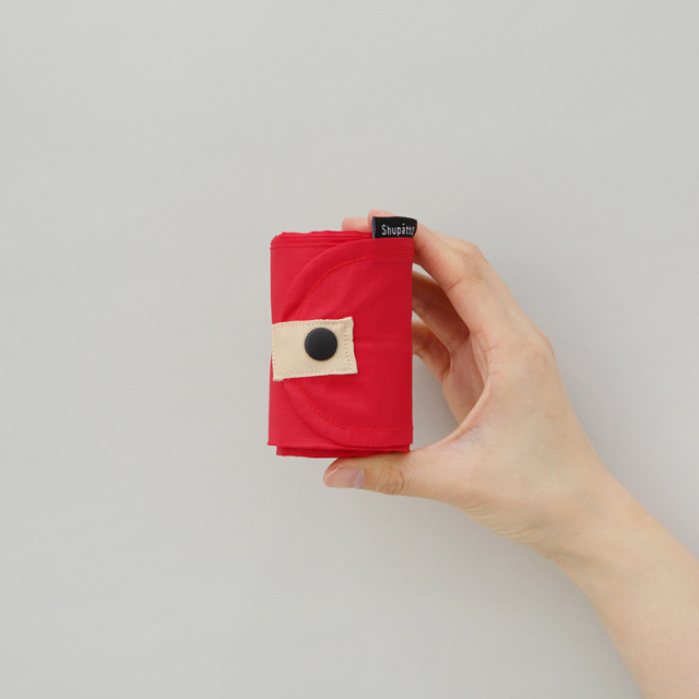ShupattoコンパクトバッグMサイズ エコバックを小さくたたんだ時のサイズイメージ