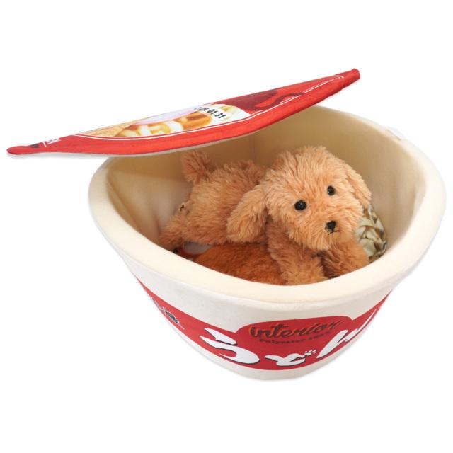 ペットベッド カップ麺 犬猫・小動物用 ペットハウス 赤のうどん 秋冬用 おもしろ インスタ映え T&S 使用イメージ
