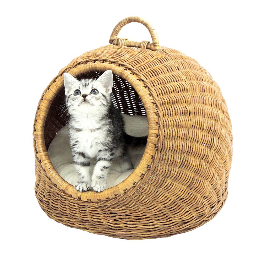 猫用ベッド ニャンともラタン にゃんドーム ペッツルート 使用風景