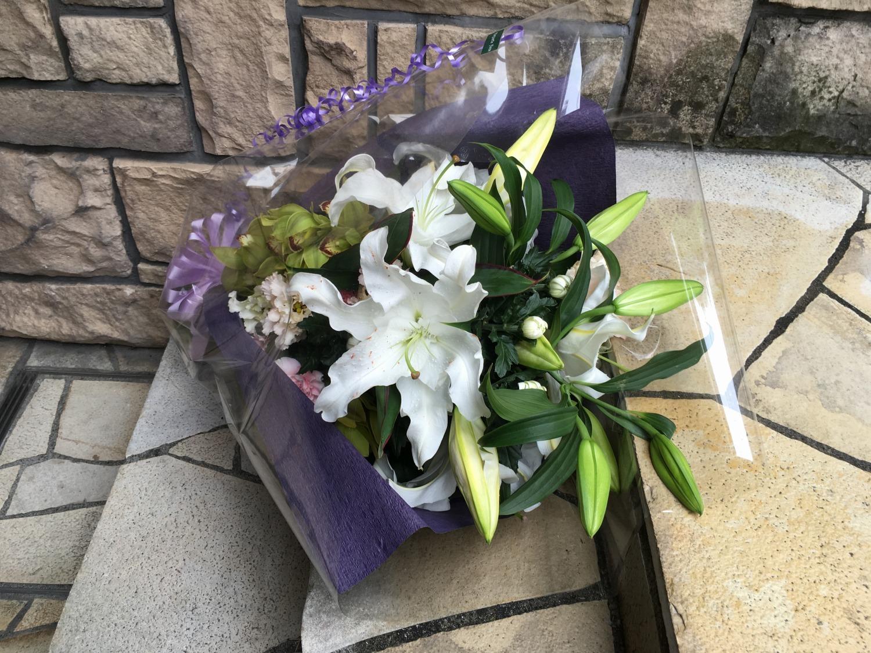 1023 【供花】 白ユリ・菊 花束