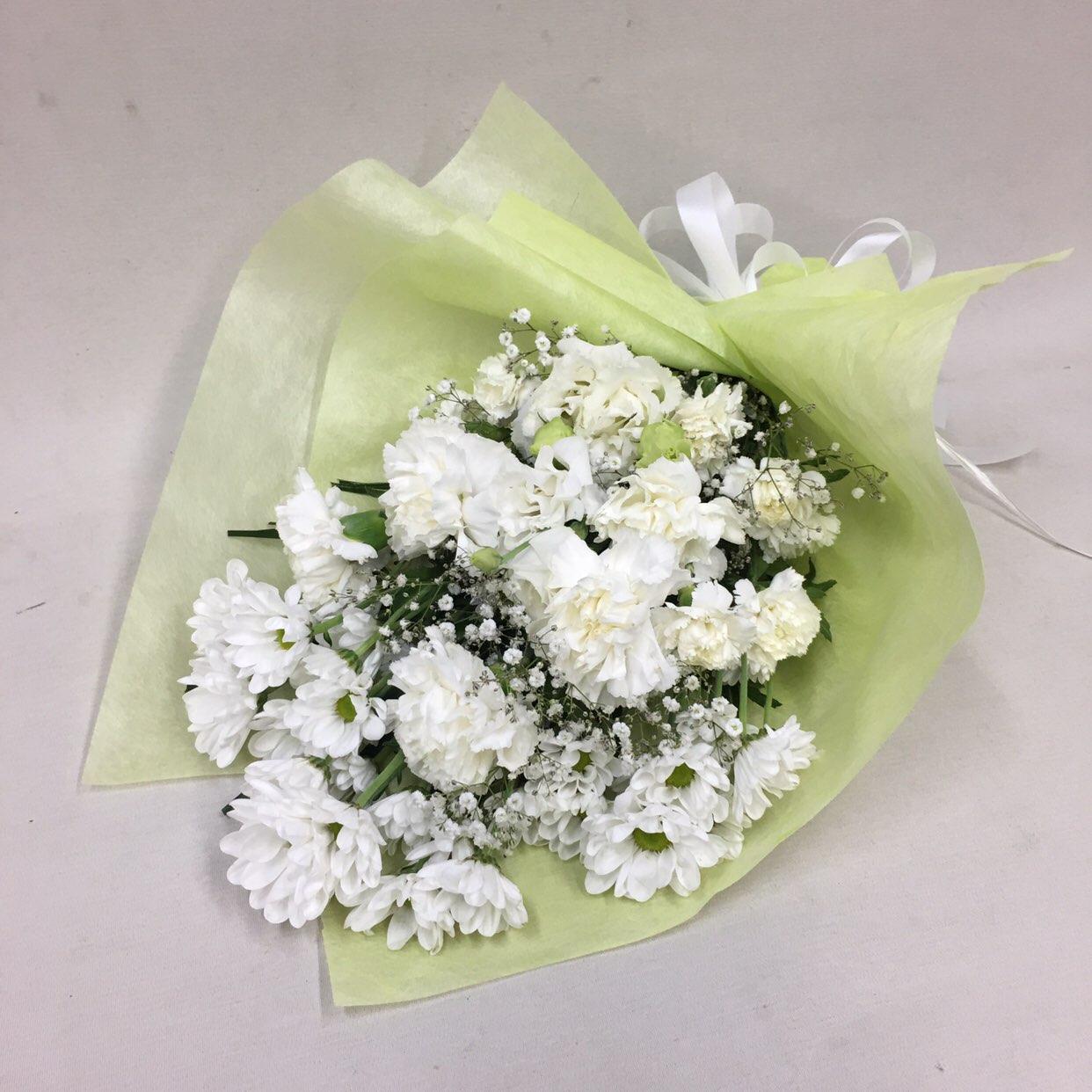 3331 【供花】カーネーションの花束W(H50) Cスタイル
