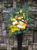 1233 オンシジューム・Yバラ 高級ワイヤースタンド花