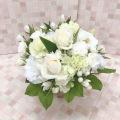 白いお花中心の大切なペットを偲ぶアレンジ