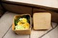 木製のボックスアレンジメント キイロ系