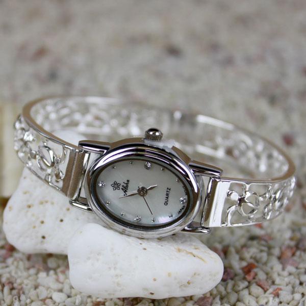12fw-hj-watch2a.jpg