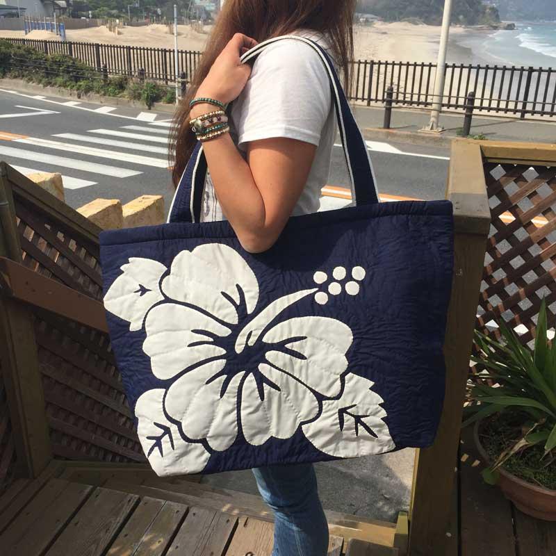 Hawaiianquiltハワイアンキルトバッグ ハイビスカス柄スクエアートートバッグ 大 レディースバッグ 人気商品