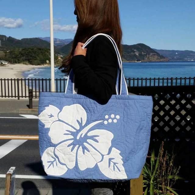 Hawaiianquiltハワイアンキルト ハイビスカス柄スクエアートートバッグ 大 ブルー