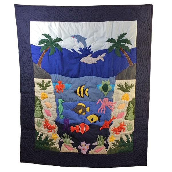 Hawaiian quilt ハワイアンキルトタペストリー  お魚柄 128×107cm
