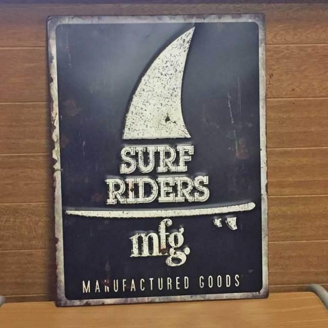 Antique Emboss Plate レトロ調 レクトエンボスプレート Surf Riders