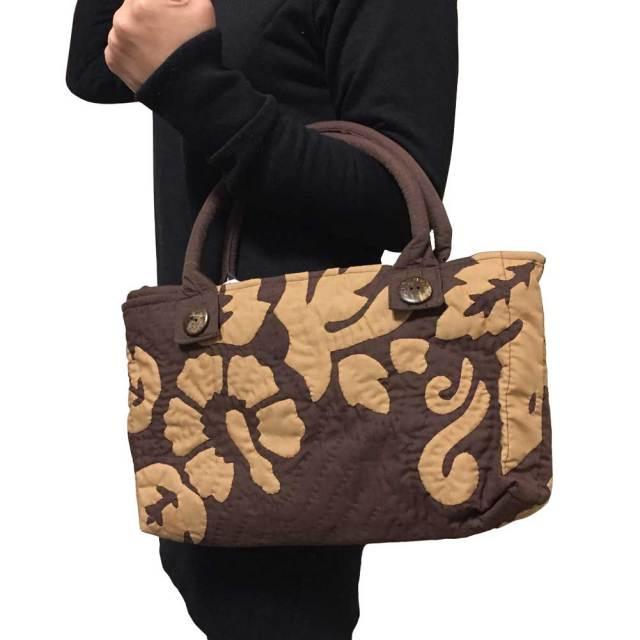 ハワイアンキルト ハイビスカス柄ハンドバッグ ブラウン/Hawaiian quilt レディースバッグ 手提げ