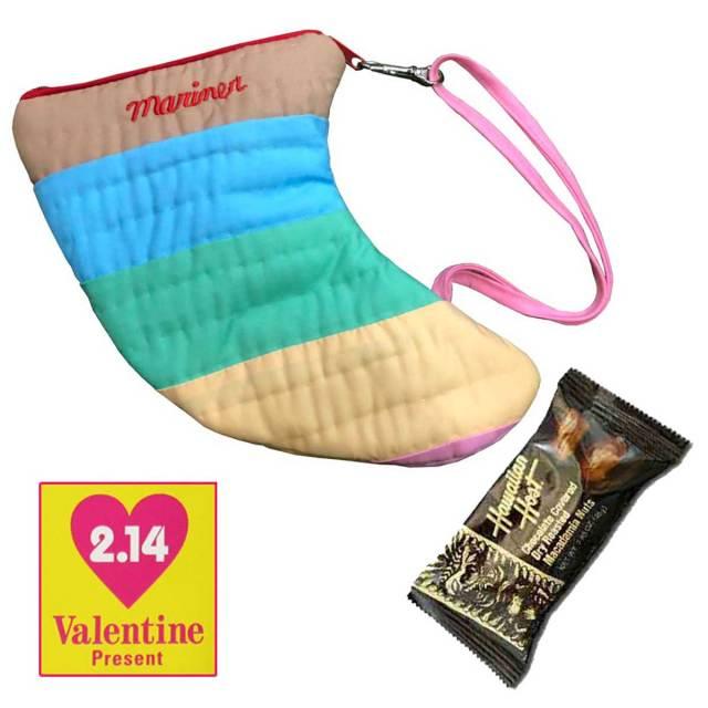 バレンタインギフト ハワイアンキルト サーフフィンポーチ×ハワイアンホースト チョコレートSURF FIN POUCH/Hawaiian Quilt