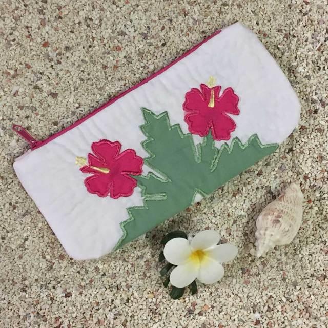 ハワイアンキルト  ハイビスカス柄ペンケース ホワイト /Hawaiian Quilt 筆入れ 小物入れ ポーチ レディースバッグ ハワイアン雑貨