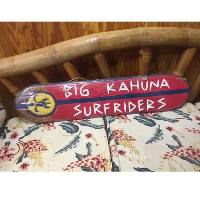 ハワイアン ウッド サインボード KAHUNA  SURFRIDERS/ウッドプレート ウッドアート インテリア サーフィン アメリカ雑貨