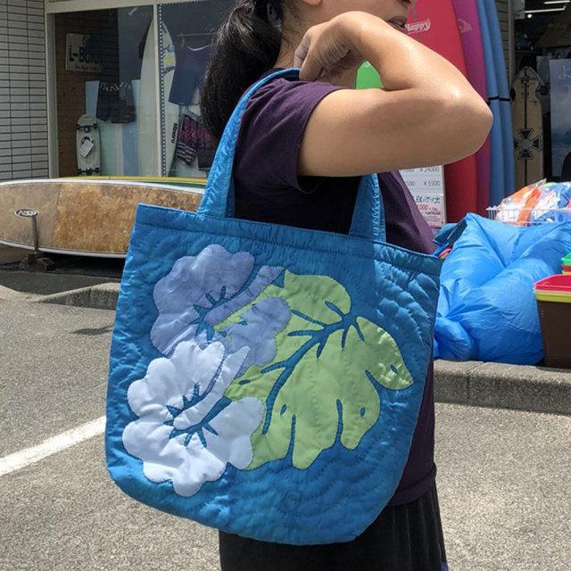 ハワイアンキルト ハンドバッグ ブルータイダイ ブルーハイビスカス柄/ Hawaiian quilt レディースバッグ