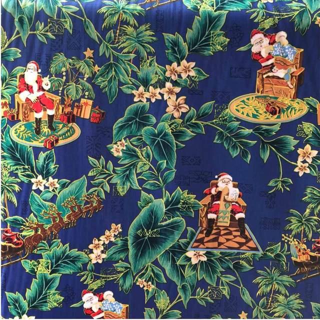ハワイアン生地 サンタクロース ブルー パウスカート生地 カーテン生地 ベットカバー生地 おしゃれ かわいい おススメ クリスマス サンタ