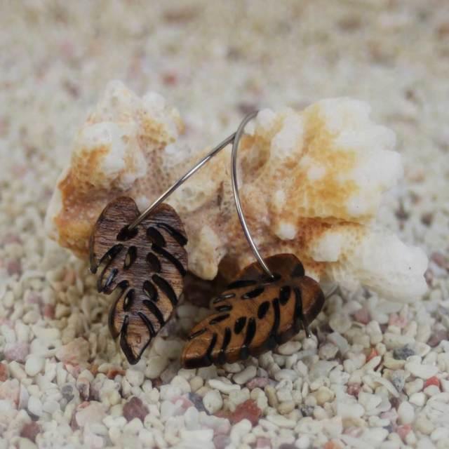 ハワイアンジュエリー コアウッド ピアス モンステラ hawaiian jewelry ギフト プレゼント 誕生日 バレンタイン ホワイトデー 白浜マリーナ