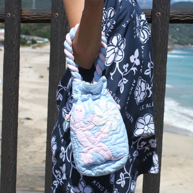 ハワイアンキルト バッグ トカゲ×ティアレ柄 ブルー 人気 かわいい ギフト プレゼント 女の子 誕生日 ホワイトデー 記念日 プレゼント ハンドバッグ レディースバッグ
