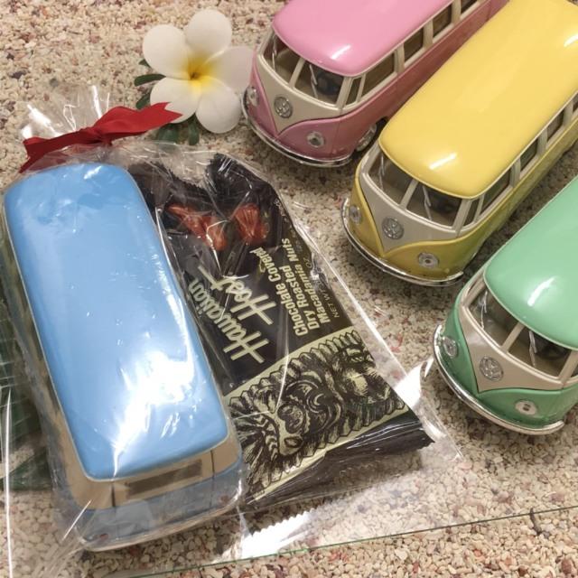 バレンタインギフト ダイキャストミニカー 1962 VW クラシカルバス パステル×チョコバーセット
