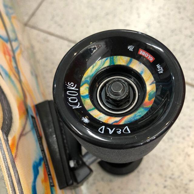 スケートボード コンプリート 32インチ デッドクックス×グローブ ビッグブレザー カルトオブフリーダム 6.0インチ