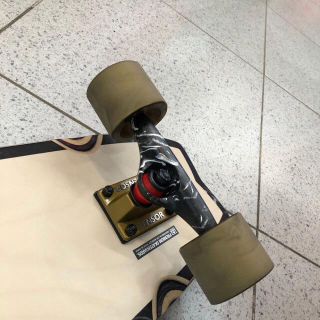 スケートボード 30インチ デッドクックス×グローブ サンシティ 5.25インチ