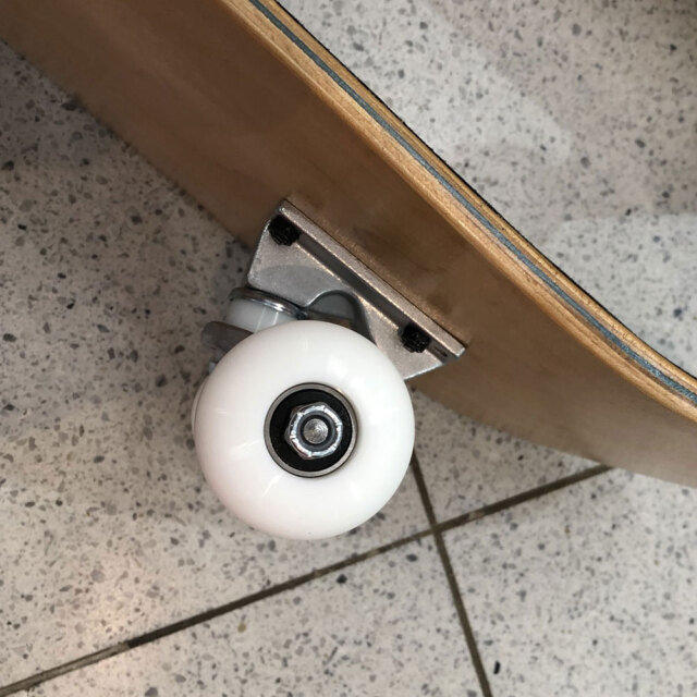 スケートボード ウィール 52mm×32mm 99a ハード