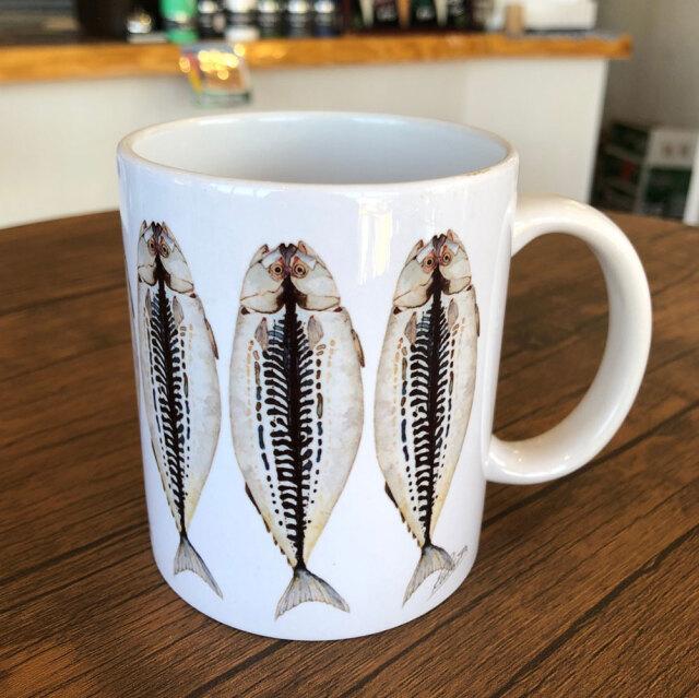 cicada 大きいひものマグカップ大 ラッセル ウィルス 鯵 アジ 伊豆のお魚