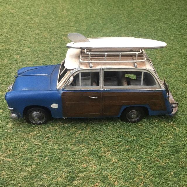 ブリキのおもちゃ 「ヴィンテージカー・ウッディワゴン」 1015 / ブリキ製インテリア 雑貨 置物 サーフィン