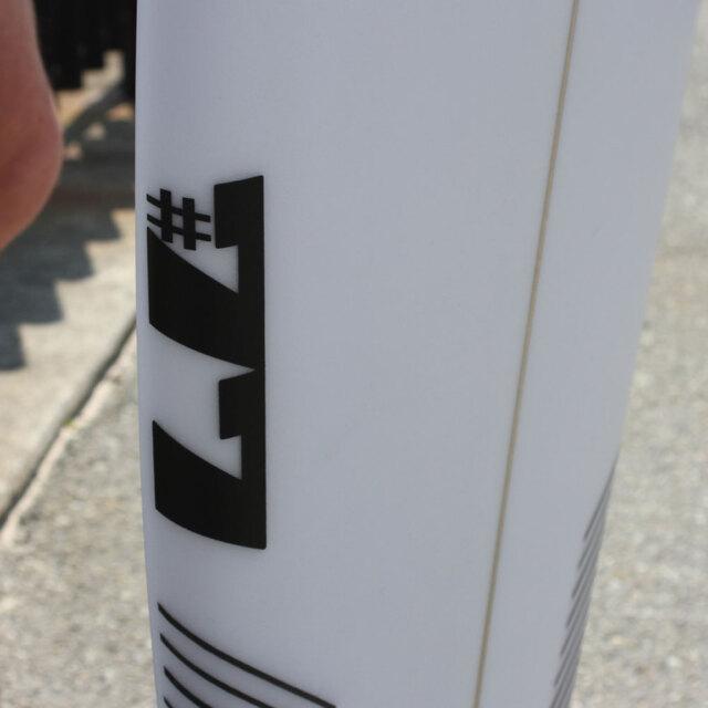ショートボード シャープアイ セブンディセブン 5'10  テールカーボンパッチ仕様 3FIN SHARPEYE #77