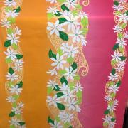 ハワイアン生地 ティアレ ピンク オレンジ パウスカート生地 カーテン生地 ベットカバー生地 おしゃれ かわいい おススメ 花柄 明るい