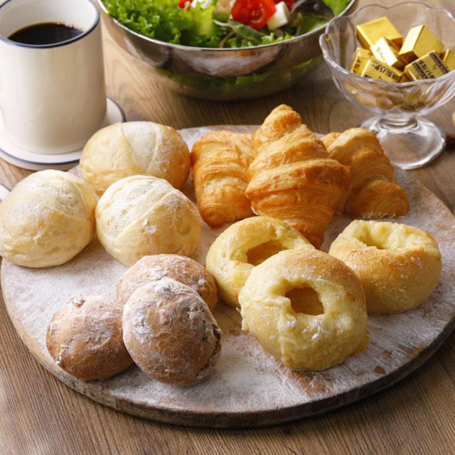 【国産小麦を使用したおうちで焼き立てパン4種セット】