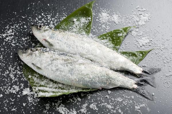 【北海道産】春獲れ塩にしん(大) 2本入 NS182