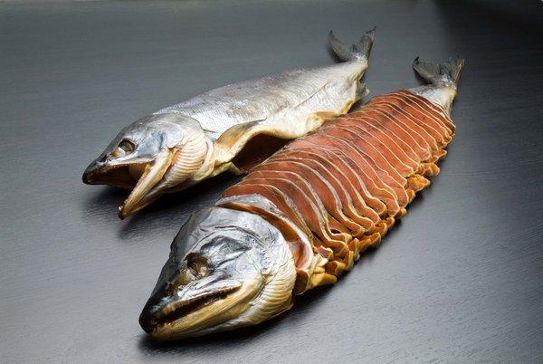 秋鮭 蔵造り塩引き鮭 一本姿切身(輪切身)