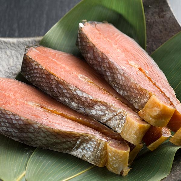 蔵造り塩引鮭 [辛口] 特大輪切身 3切パック(一切れ約120g) ABP36