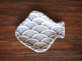豆皿 ひらめ 染付青海波 /小皿 豆皿 吉祥紋古典絵変り/九谷焼 和陶房/幅8.8×奥7.4×高1.2cm